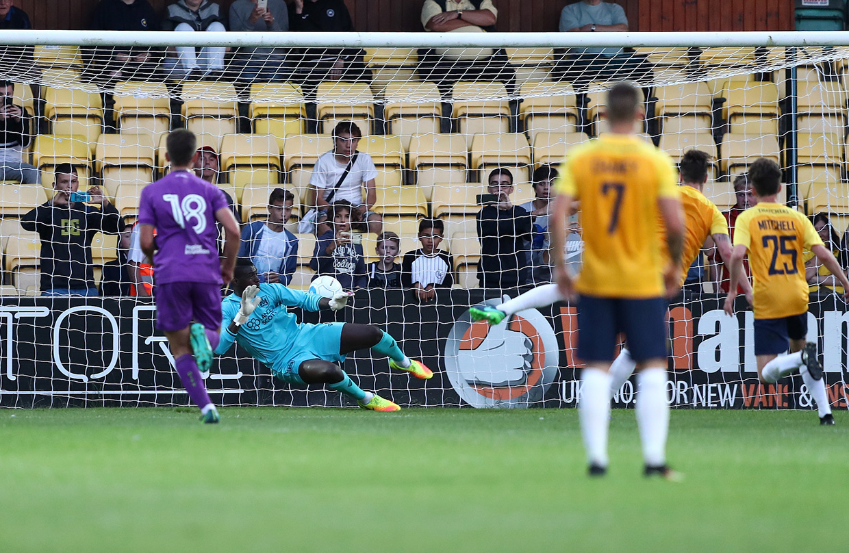 Highlights: Torquay United 2-0 Bristol City thumbnail