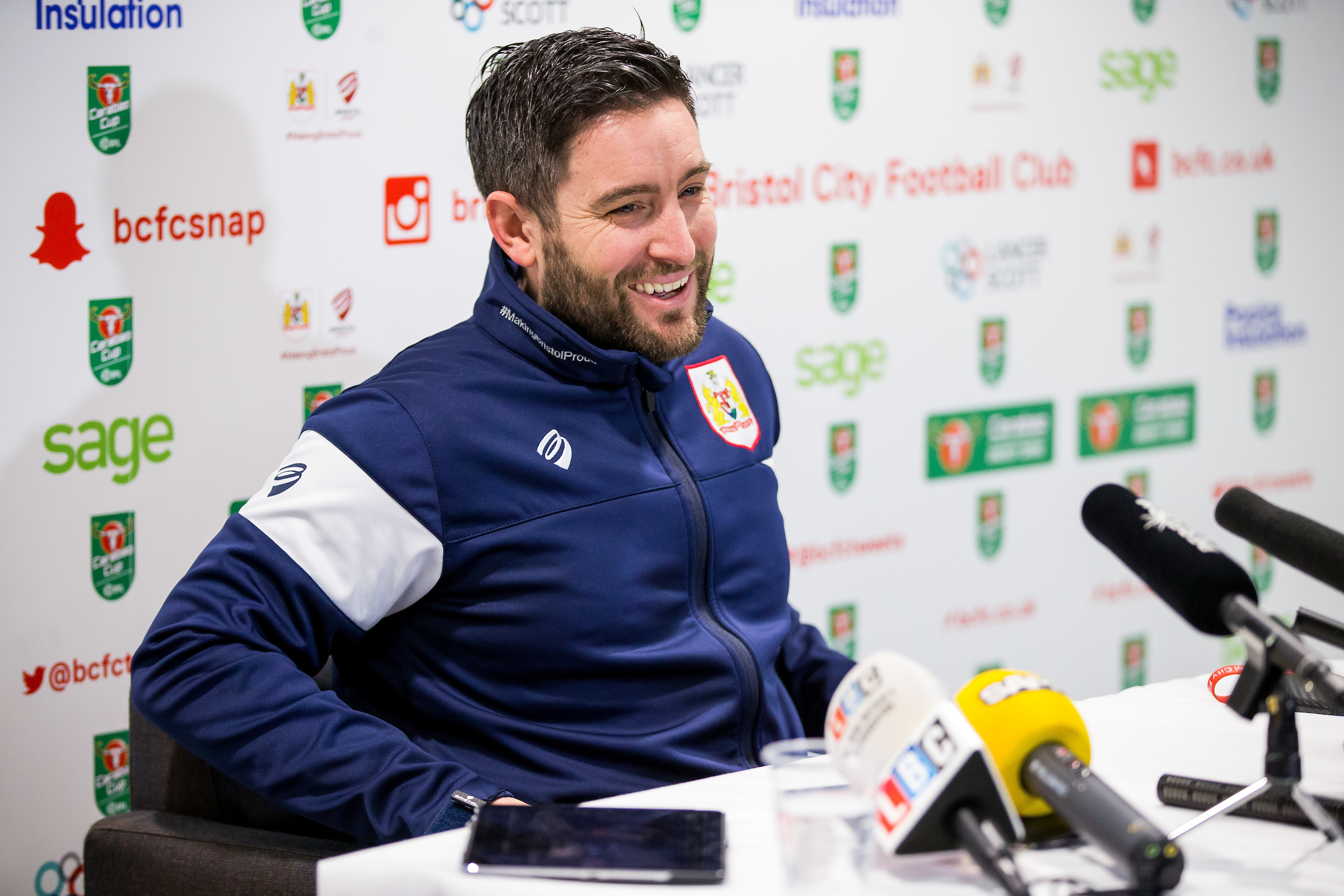 Audio: Lee Johnson Pre-Manchester City away press conference thumbnail