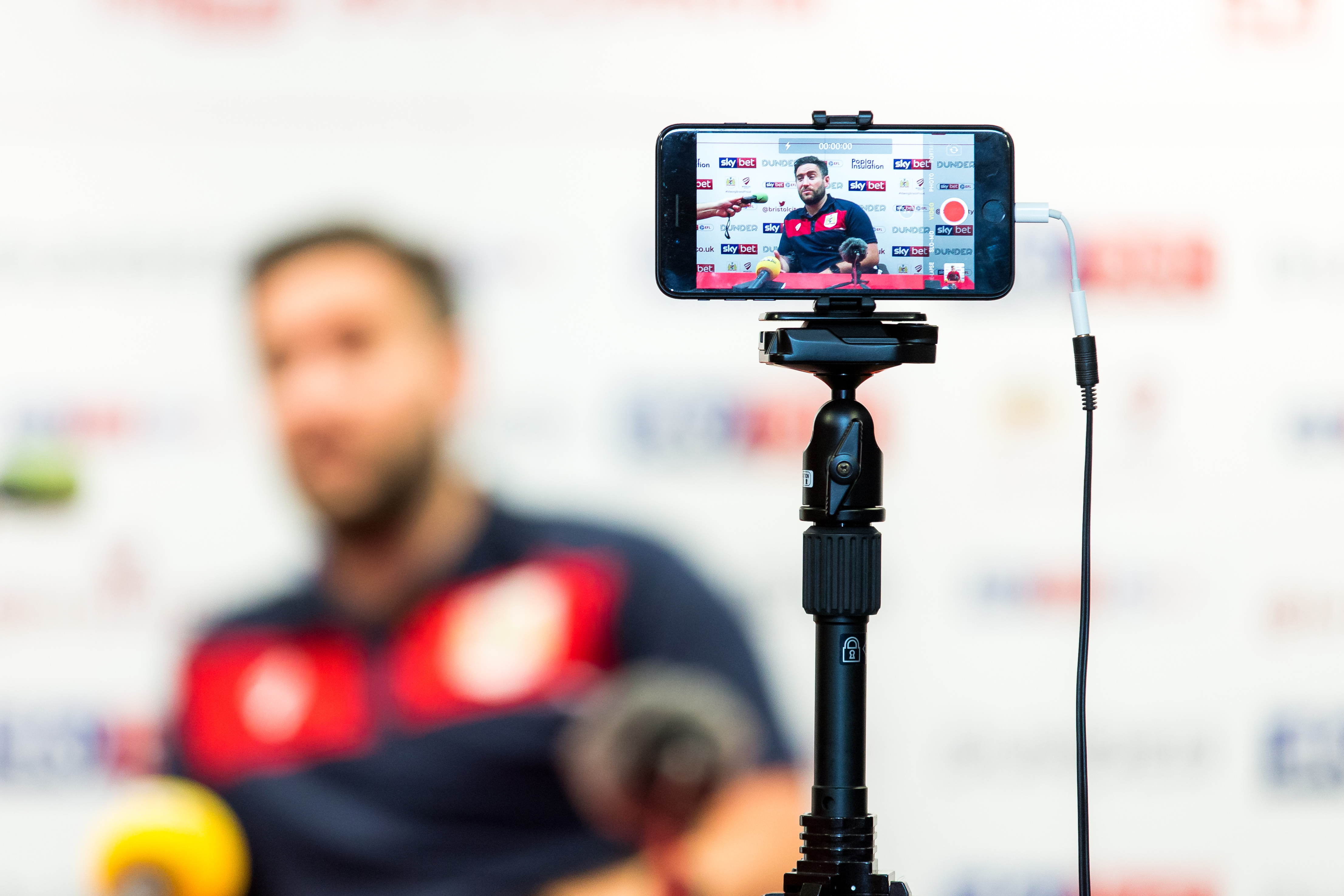 Video: Lee Johnson Pre-Middlesbrough home thumbnail